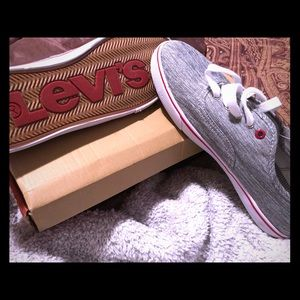 Levi's Madden Buck Red Canvas Size 10